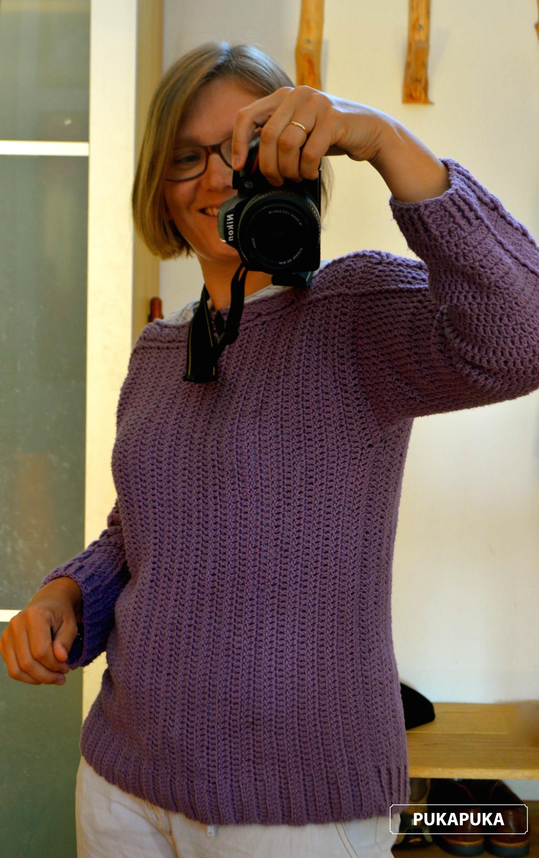 szydełkowy sweter lila