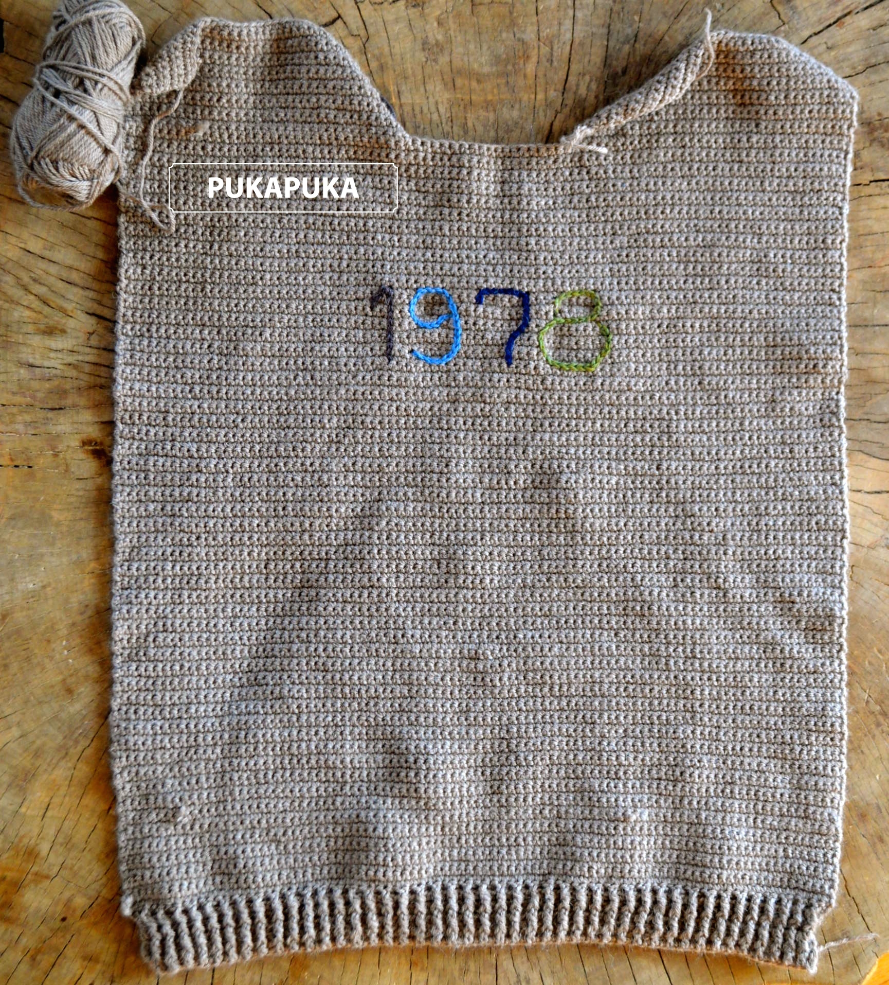 wełniany sweter na szydełku
